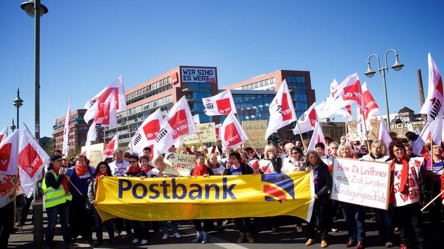 Streikende in Berlin  20.4.2015